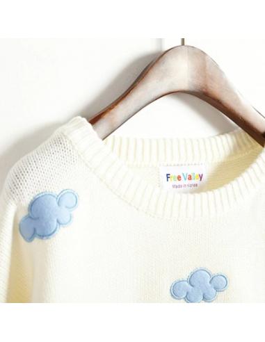 Pull tricoté motif nuages